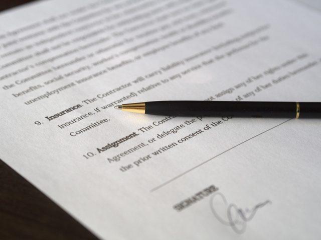 フリーランスが業務委託契約書に記載すべき10項目とおすすめテンプレート