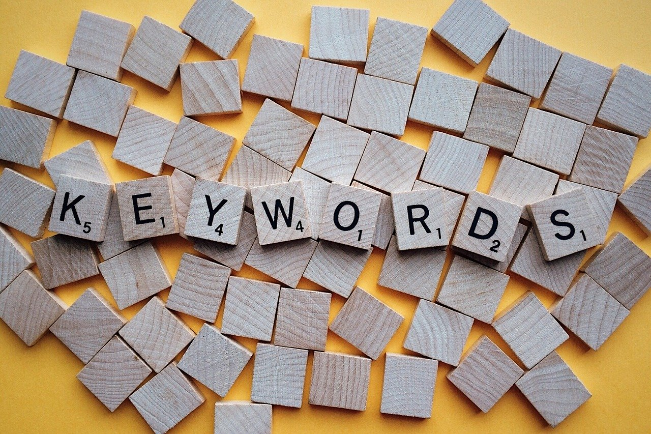 SEOのキーワード選定方法と選定に使える無料ツール