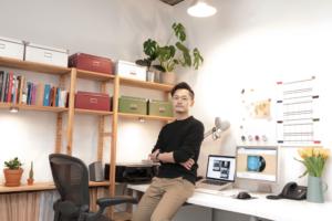 単身渡英、そしてフリーランスから起業家へ。ロンドンのデジタルデザイナー・長野大洋さんのスタジオを訪問!